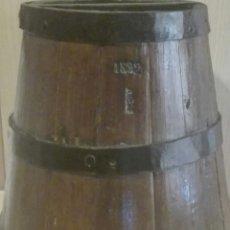 Antigüedades: ANTIGUA CENTENARIA CUARTERA FANEGA MESURA MEDIDA DE GRANO DE FORMA CONICA MARCADA 1892. Lote 136446146