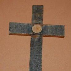 Antigüedades: CRUZ DE MADERA JHS. Lote 136446830