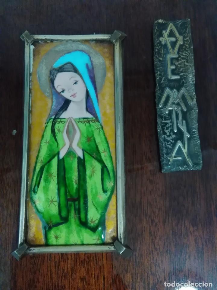 Antigüedades: Virgen de esmalte 18x7ctms y plata 925 total 30x20 ctms - Foto 2 - 136514378