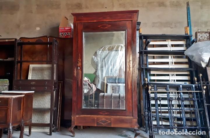 Antigüedades: Armario antiguo con espejo estilo modernista. Armario ropero estilo rústico armario estilo art decó. - Foto 2 - 136523990