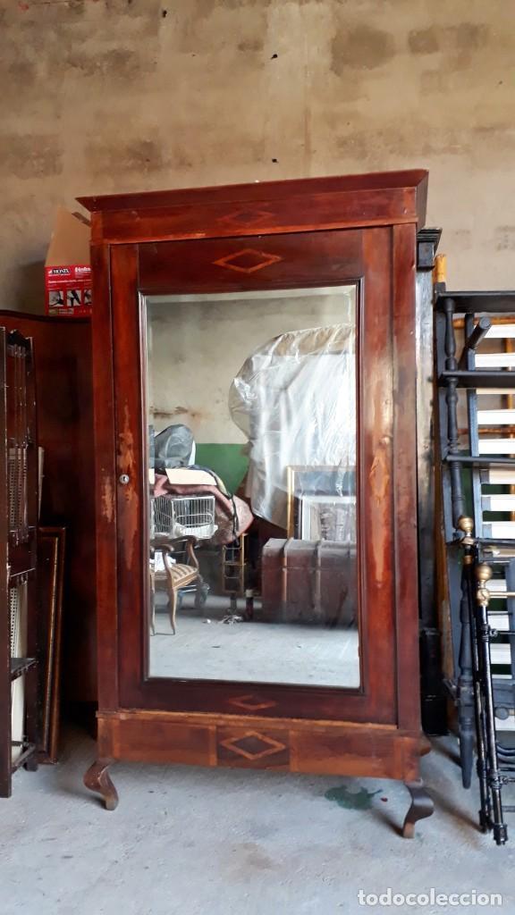 Antigüedades: Armario antiguo con espejo estilo modernista. Armario ropero estilo rústico armario estilo art decó. - Foto 3 - 136523990