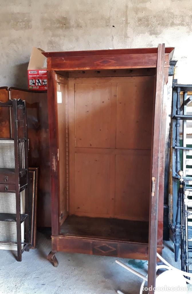 Antigüedades: Armario antiguo con espejo estilo modernista. Armario ropero estilo rústico armario estilo art decó. - Foto 6 - 136523990