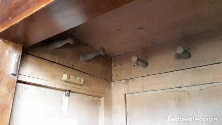 Antigüedades: Armario antiguo con espejo estilo modernista. Armario ropero estilo rústico armario estilo art decó. - Foto 7 - 136523990
