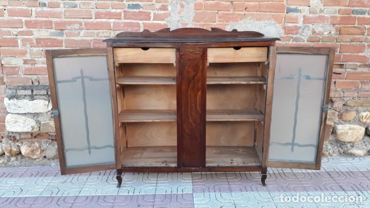 Antigüedades: Vitrina antigua estilo art decó. Mueble bar antiguo, mueble auxiliar antiguo estilo modernista. - Foto 5 - 136524246