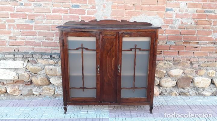Antigüedades: Vitrina antigua estilo art decó. Mueble bar antiguo, mueble auxiliar antiguo estilo modernista. - Foto 10 - 136524246
