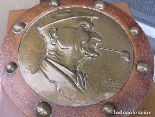 Antigüedades: MAGNIFICA CUBITERA DE MADERA, BRONCE Y LATÓN ESCULPIDO Y FIRMADO - Foto 2 - 136539502