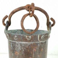 Antigüedades: CALDERO DE FUNDICION. COBRE. ASA DE HIERRO FORJADO. SIGLO XIX. . Lote 136551862