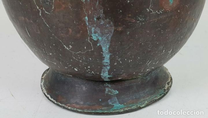 Antigüedades: CALDERO DE FUNDICION. COBRE. ASA DE HIERRO FORJADO. SIGLO XIX. - Foto 7 - 143130674