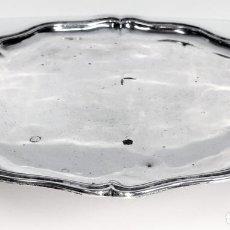 Oggetti Antichi: BANDEJA-TRÍPODE. PLATA DE LEY. PUNZONADA. BARCELONA(?). ESPAÑA. PROBABLE PRODUCCIÓN XVIII. Lote 136592850
