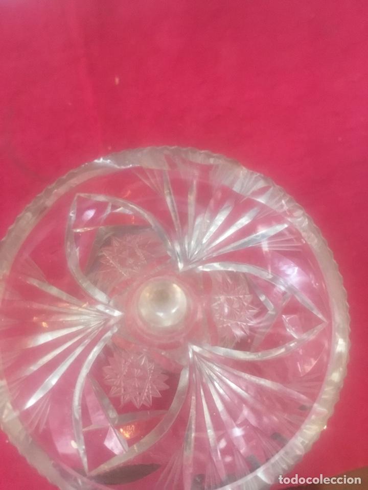 Antigüedades: Jarrón florero en cristal de bohemia con base en plata - Foto 6 - 136618477
