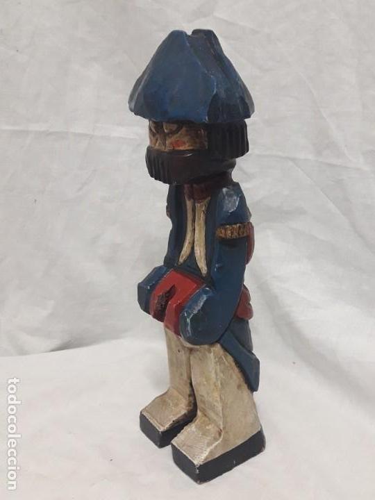 Antigüedades: Antigua talla de madera policromada soldado francés Napoleónico - Foto 3 - 136655006