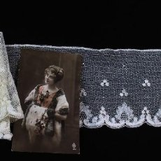 Antigüedades: R75 ANTIGUO ENCAJE DE HILO CON BORDADO MANUAL FINES XIX. Lote 136680050