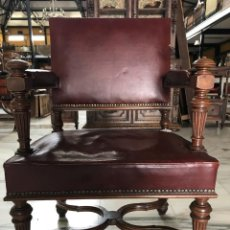 Antigüedades: SILLON EN NOGAL Y PIEL DEL 1900. REF 6289. Lote 136755470