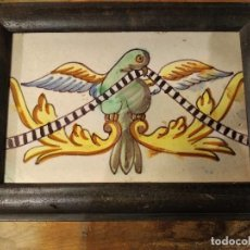 Antigüedades: AZULEJO DE CENEFA PERFECTO CON AVE SIGLO XVIII. Lote 136774998