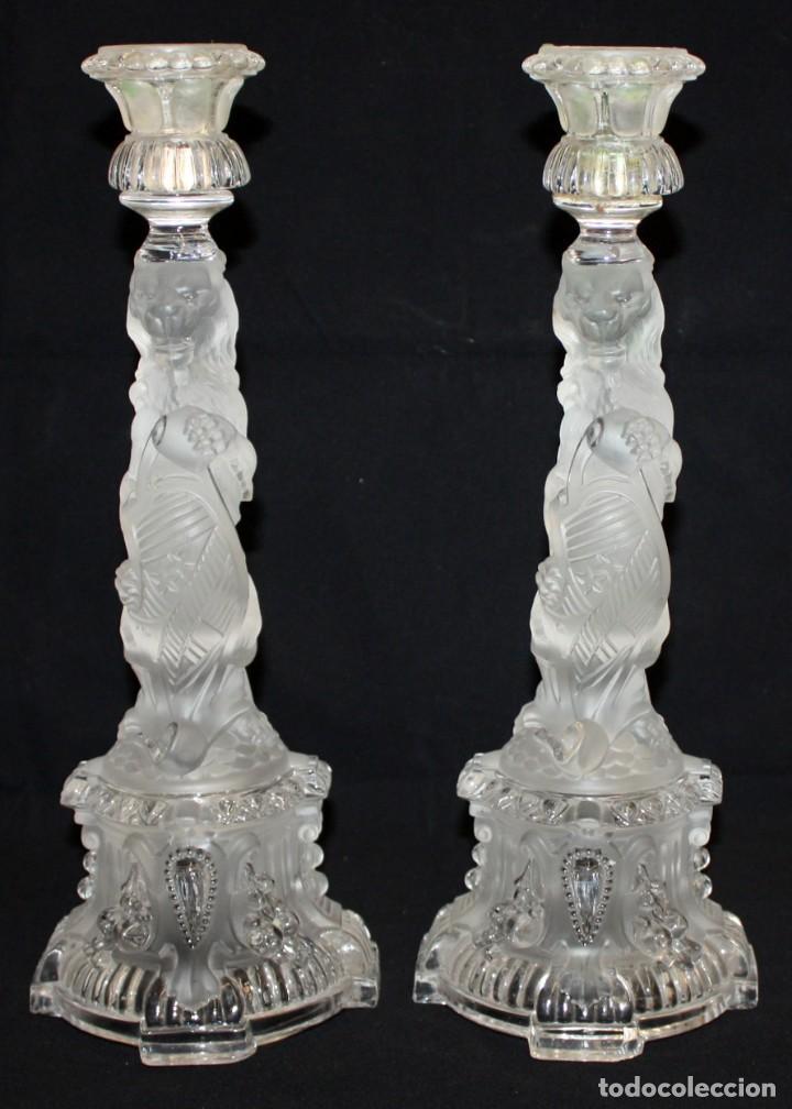 PRECIOSOS CANDELABROS DE CRISTAL DE BACCARAT (LEONES) SG XIX. 4.400 GRAMOS. (Antigüedades - Cristal y Vidrio - Baccarat )