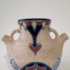 Antigüedades: BÚCARO EN MAYÓLICA ESMALTADA ART NOUVEAU DE LA MARCA ANPHORA CHECOSLOVAQUIA. Lote 136806418