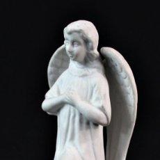 Antigüedades: ANTIGUO ÁNGEL EN PORCELANA BISCUIT PPS S XX. Lote 136820266