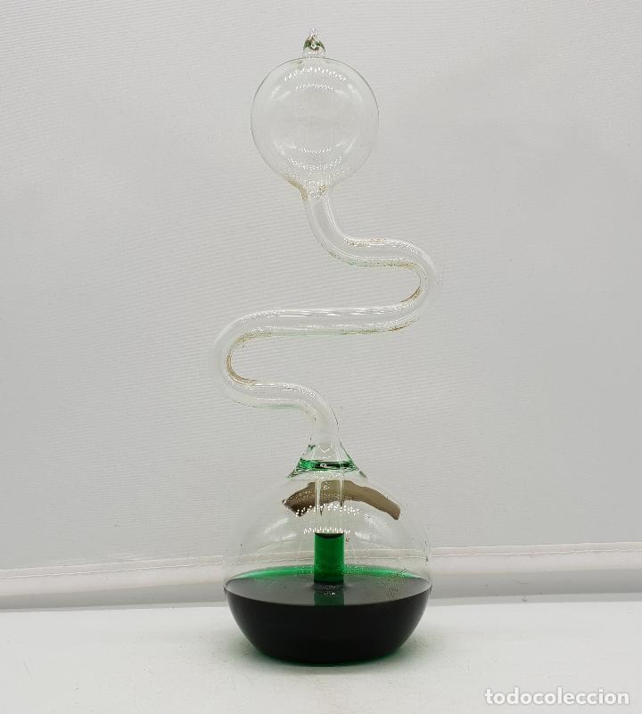 Antigüedades: Handboiler o hervidor de mano químico en miniatura de cristal soplado con líquido verde botella . - Foto 4 - 136829914