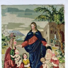 Antigüedades: TAPIZ BORDADO A MANO PETIT POINT FINES S XIX MANUAL JESUS DEJAD QUE LOS NIÑOS SE ACERQUEN A MI. Lote 136885374