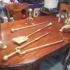 Antigüedades: BOTITOS Y ANTIGUOS ACCESORIOS EN BRONCE PARA CHIMENEAS. Lote 137028714