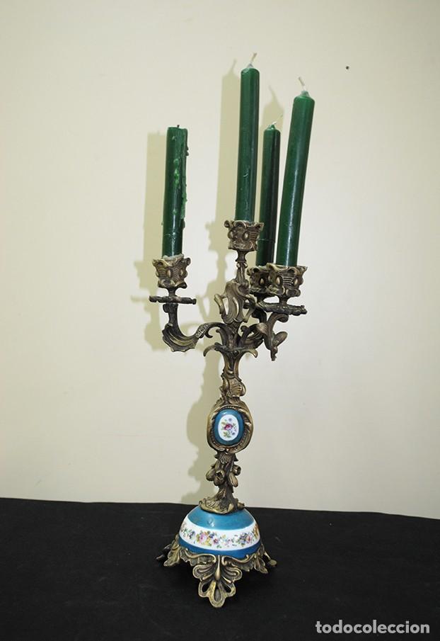 CANDELABRO ANTIGUO SIGLO XIX BRONCE Y PORCELANA (Antigüedades - Iluminación - Candelabros Antiguos)