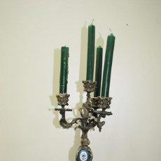 Antigüedades: CANDELABRO ANTIGUO SIGLO XIX BRONCE Y PORCELANA. Lote 137137350