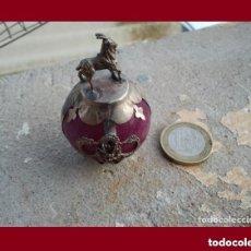 Antigüedades: PRECIOSA FIGURA ZODIACAL DE PLATA TIBETANA LA CABRA CON ESFERA MINERAL . PERFECTO ESTADO.. Lote 137142748