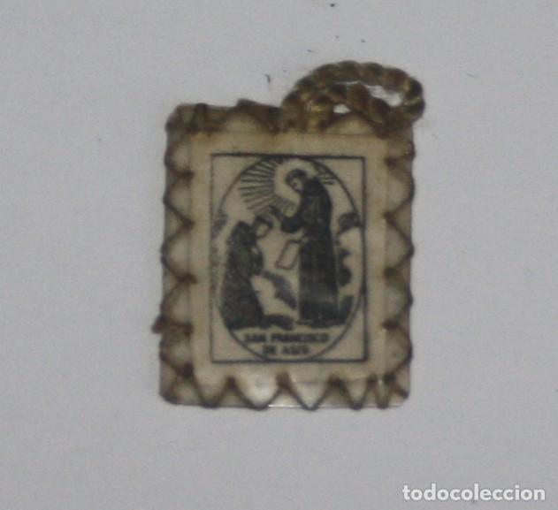 ESCAPULARIO CON ORACIÓN SAN FRANCISCO AÑOS 50 (Antigüedades - Religiosas - Escapularios Antiguos)