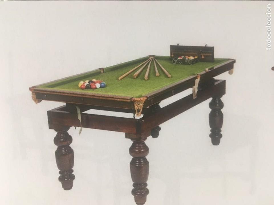 Mesa de billar y comedor de época victoriana