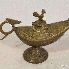 Antigüedades: CANDIL - ESENCIERO - LAMPARA DE ACEITE DE ALADINO EN BRONCE CON GALLO. Lote 137273382