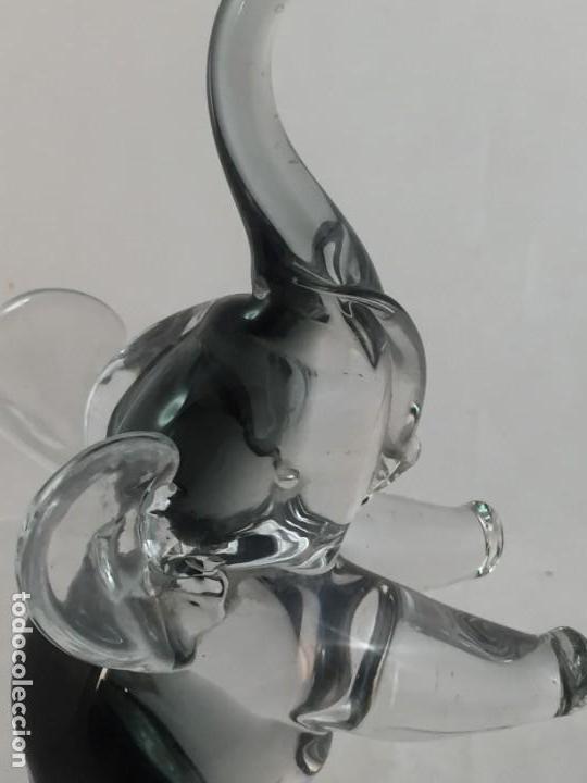 Antigüedades: Gran elefante sobre bola de cristal Murano, en la bola inclusiones de bubujas firmado en base 39 cms - Foto 14 - 137273434