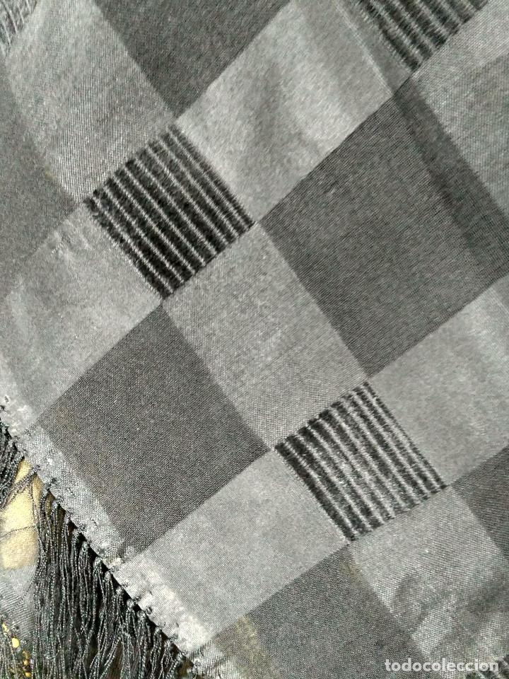 Antigüedades: Antigua granadina. Mantón de seda - Foto 6 - 137300342