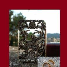 Antigüedades: PRECIOSO COLGANTE DE PLATA TIBETANA UNISEX EN PERFECTO ESTADO. REGALO PAR DE ANILLOS. Lote 137326718