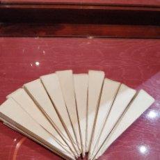 Antigüedades: LOTE DE 10 PAPELES (PAIS) PARA ABANICO O REPARACIÓN DE ABANICO SIN DECORAR DE 15CM. Lote 137376738