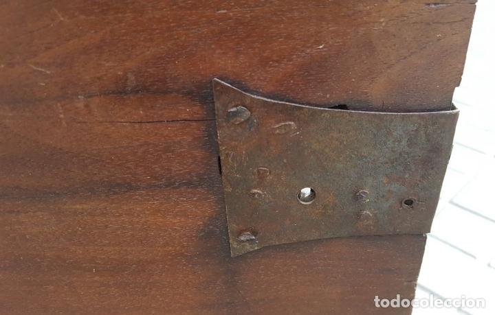 Antigüedades: ARCA CATALANA DE NOVIA. NOGAL CON INCRUSTACIONES DE BOJ. ESTILO BARROCO. SIGLO XVIII. - Foto 17 - 137421546