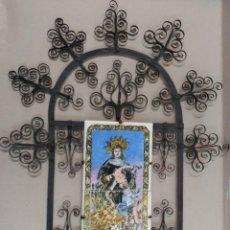 Antigüedades: VIRGEN DE LA PIEDAD EN 2 AZULEJOS ENMARCADOS EN MARCO DE FORJA. Lote 137436318
