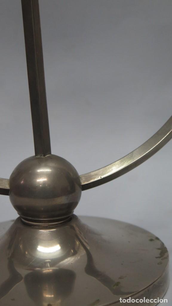 Antigüedades: ORIGINAL CANDELABRO DE TRES LUCES PLATEADO. MEDIADOS SIGLO XX - Foto 2 - 137455190