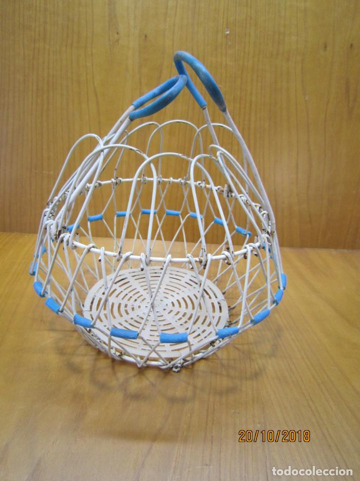 Antigüedades: Antigua cesta para huevos - Foto 2 - 137494318