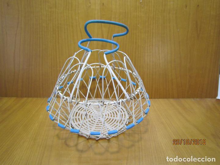 Antigüedades: Antigua cesta para huevos - Foto 4 - 137494318