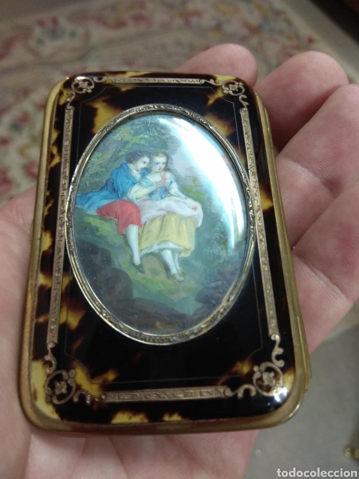 Antigüedades: Precioso Monedero - Bolso de Carey con Escena Romántica Pintada Sobre Marfil XIX - Foto 11 - 137562022