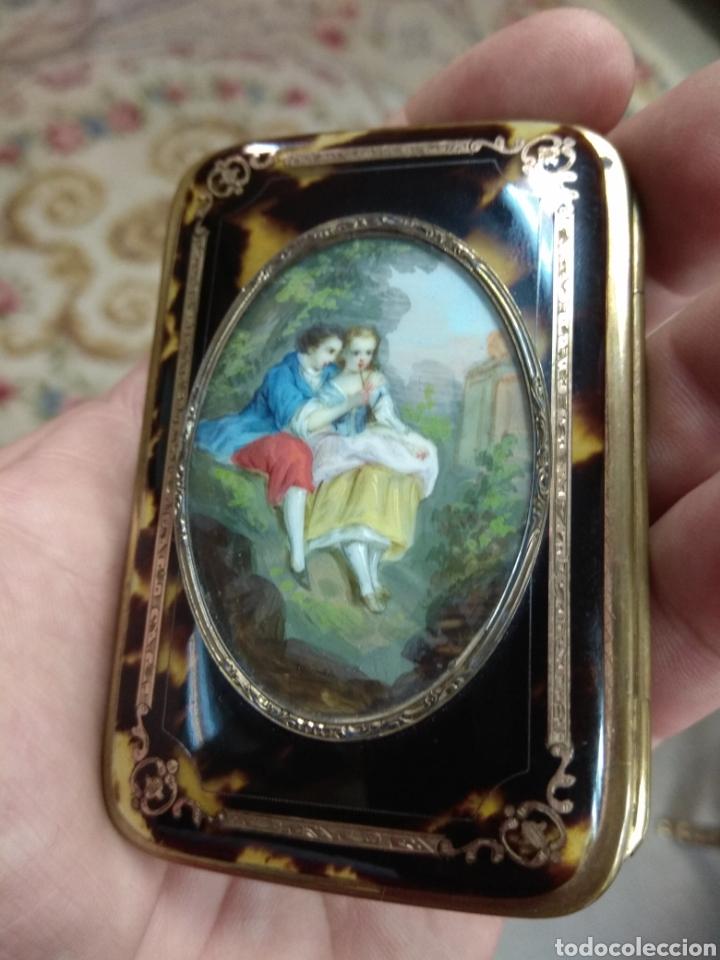 Antigüedades: Precioso Monedero - Bolso de Carey con Escena Romántica Pintada Sobre Marfil XIX - Foto 12 - 137562022