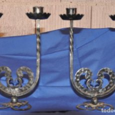 Antigüedades: PORTAVELAS O CANDELABROS DE HIERRO.. Lote 137589830