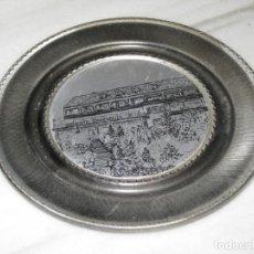 Antigüedades: PLATO DECORACIÓN METAL PLATEADO. Lote 137595058