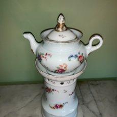 Antigüedades: ANTIGUA TETERA CON CALENTADOR DE VELA DE LIMOGES. Lote 137627532