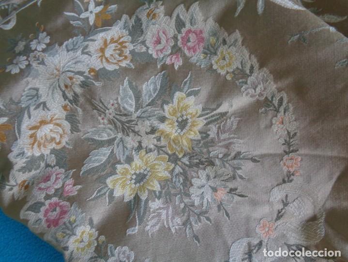 Antigüedades: Tela brocada vestimenta fallera- Traje regional valenciano - para hacer una falda - Foto 3 - 137668526