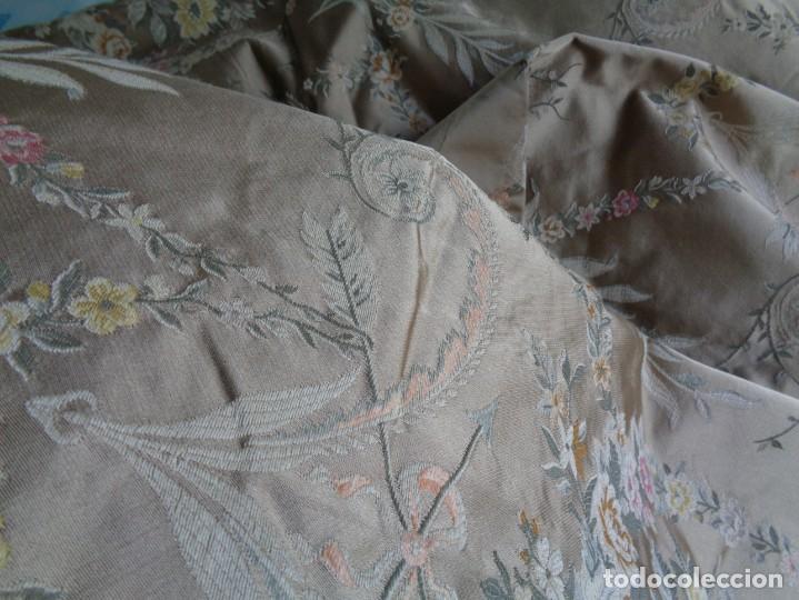 Antigüedades: Tela brocada vestimenta fallera- Traje regional valenciano - para hacer una falda - Foto 4 - 137668526