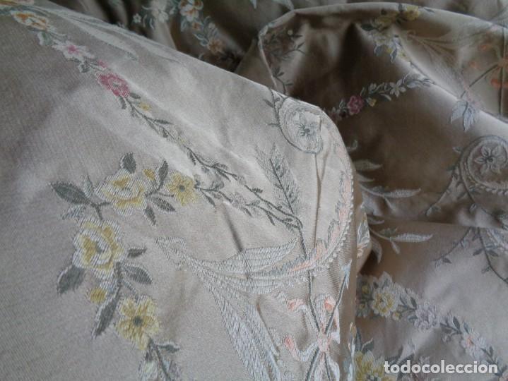 Antigüedades: Tela brocada vestimenta fallera- Traje regional valenciano - para hacer una falda - Foto 5 - 137668526