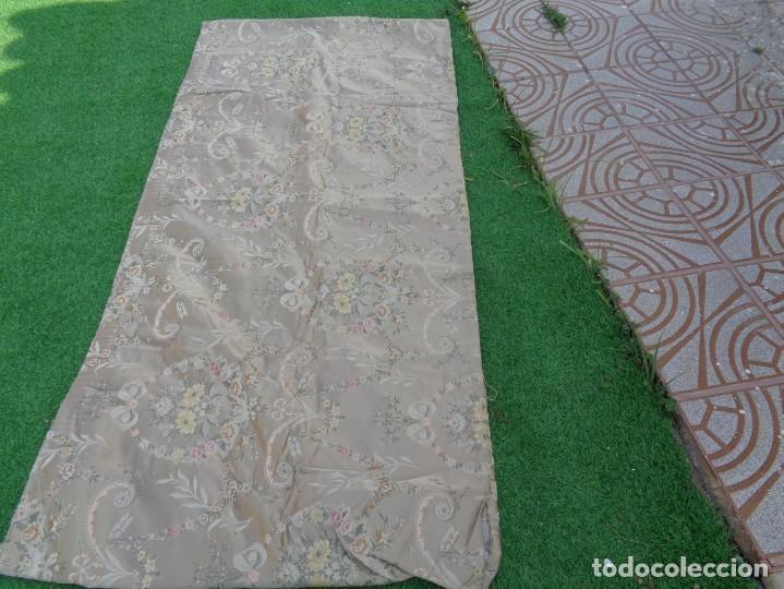 Antigüedades: Tela brocada vestimenta fallera- Traje regional valenciano - para hacer una falda - Foto 11 - 137668526