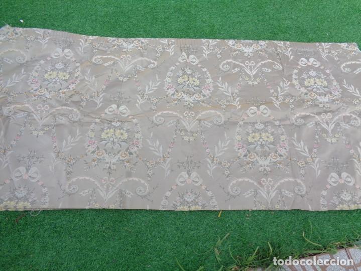 Antigüedades: Tela brocada vestimenta fallera- Traje regional valenciano - para hacer una falda - Foto 12 - 137668526