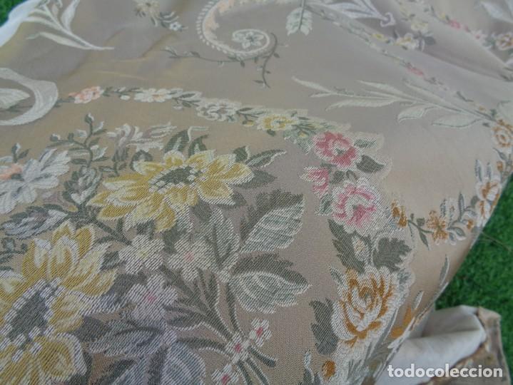 Antigüedades: Tela brocada vestimenta fallera- Traje regional valenciano - para hacer una falda - Foto 18 - 137668526